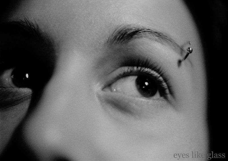 B&W piercing